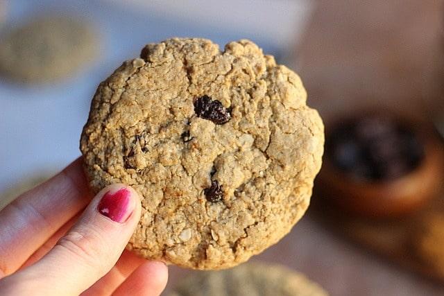 Healthy Oatmeal Raisin Cookies (V, GF, Nut-Free) 2