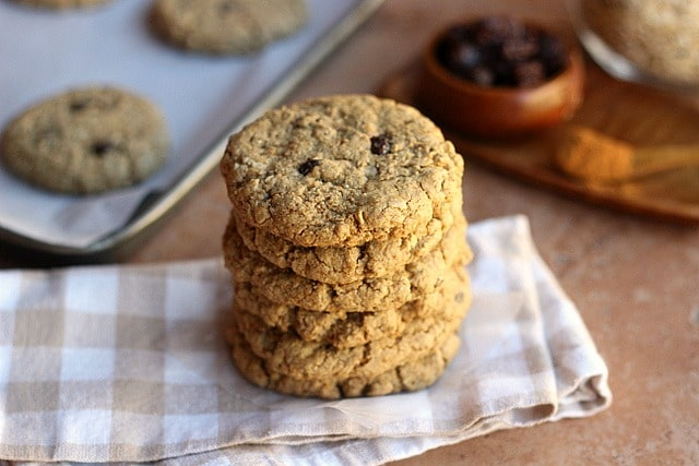 Healthy Oatmeal Raisin Cookies (V, GF, Nut-Free) 3