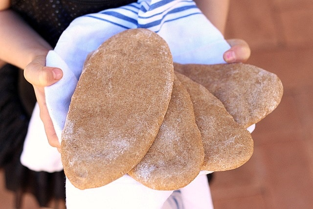 Soft and Fluffy Spelt Naan Flatbread (Yeast-Free) 3