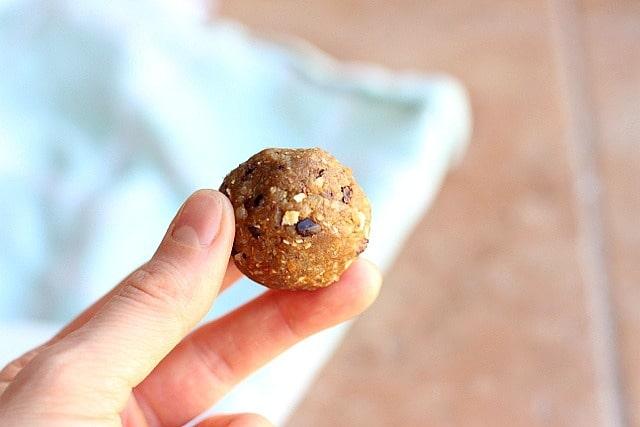 Peanut Butter Quinoa Energy Balls 4