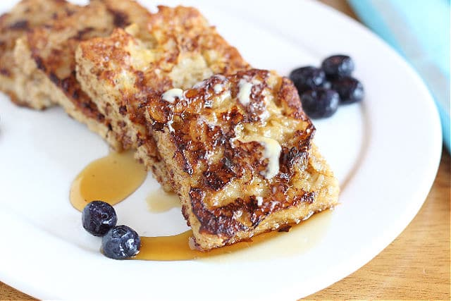 Healthy French toast made from whole rolled oats
