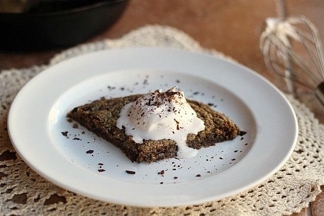 Healthy Chocolate Chip Pizookie (Vegan, GF)