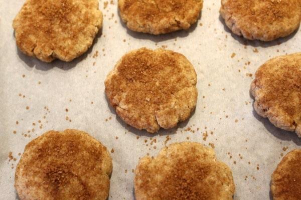 Snickerdoodles with cinnamon sugar