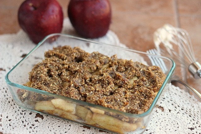 Raw Cinnamon Apple Crumble