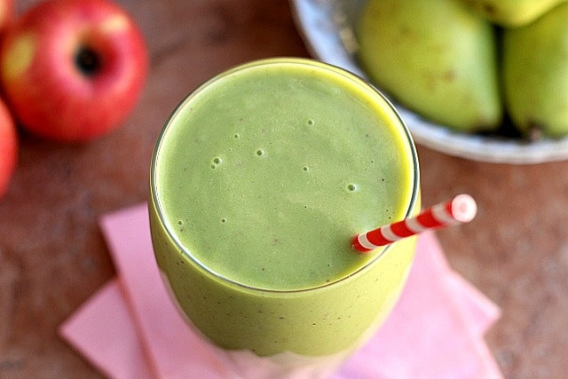Creamy Apple Pear Smoothie (Banana-Free, Paleo) 3