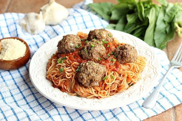 Classic and Healthy Spaghetti and Baked Meatballs 5