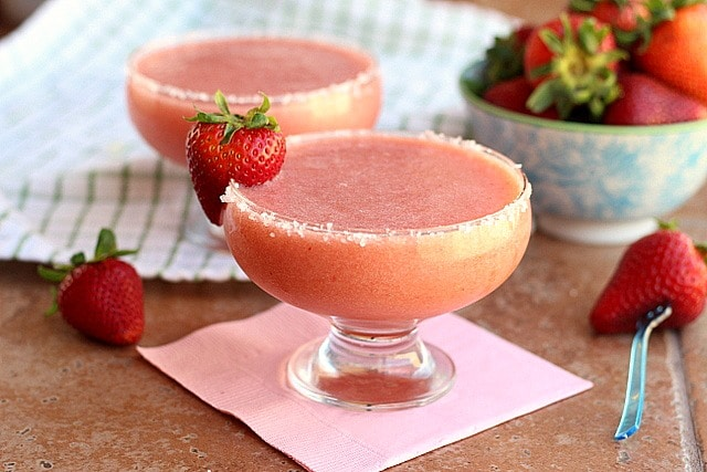 Non-Alcoholic, Fruit-Based Strawberry Margaritas (Vegan, Paleo) 3