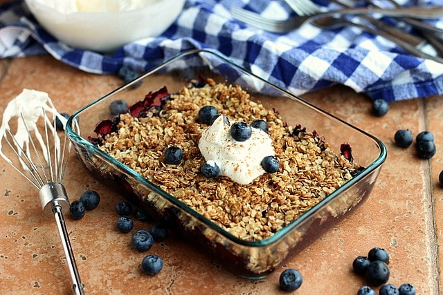 Light and Healthy Blueberry Crisp (Vegan, Nut-Free) 4