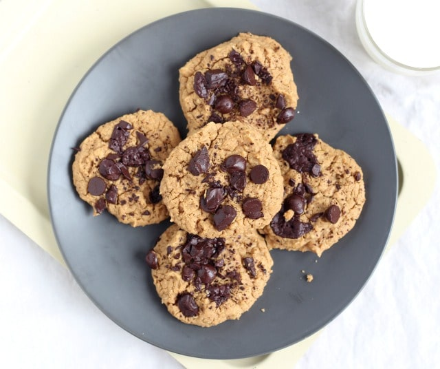 Cookies made with chickpeas and no sugar