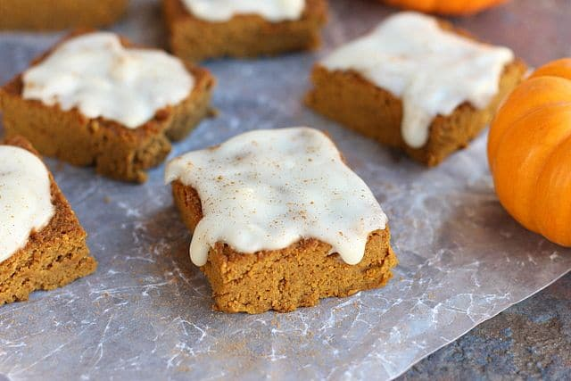 Frosted Pumpkin Pie Bars (Low Sugar, Paleo) 4