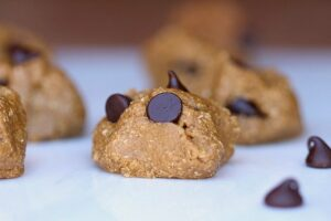 Gooey Chocolate Chip Snack Bites (Date-Free) 1