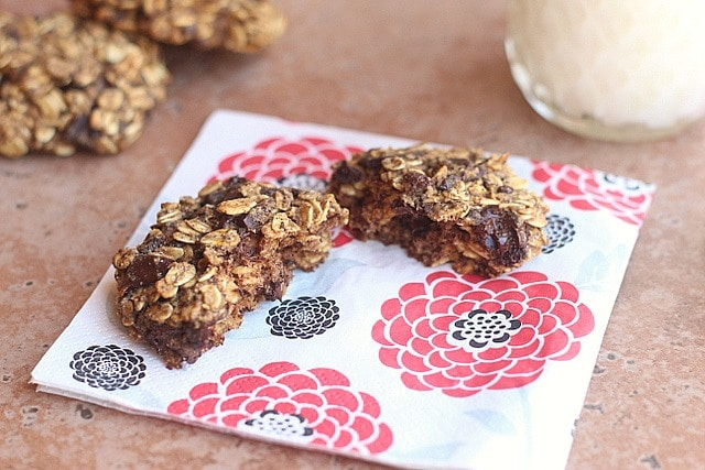 Low-Fat Oatmeal Chocolate Chip Cookies 7