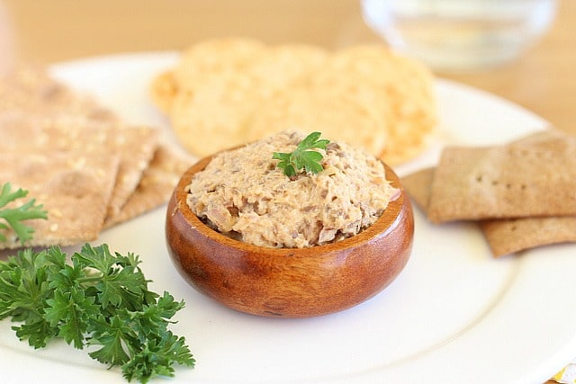 High protein cracker spread