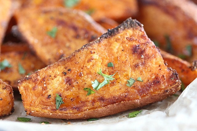 Sweet potatoes with paprika and garlic