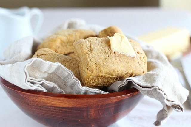 Whole grain biscuits recipe with pumpkin and olive oil