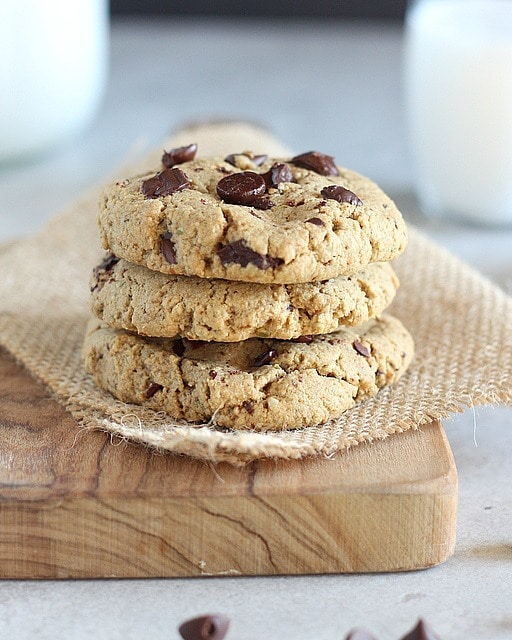 Low sugar chocolate chip cookies made without sugar alcohols