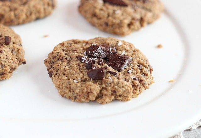 Low sugar oatmeal almond butter cookies