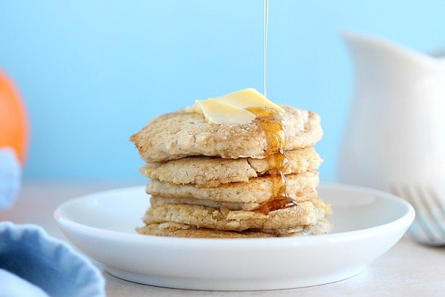 Oat flour pancakes that are oil-free and sugar-free