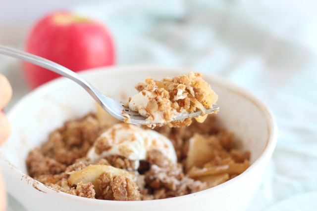 Apple crisp for one made with buckwheat flour