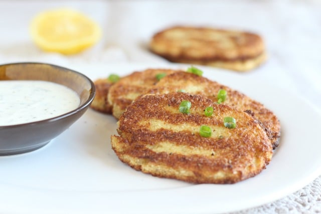 Hashbrown patties made with cauliflower and eggs