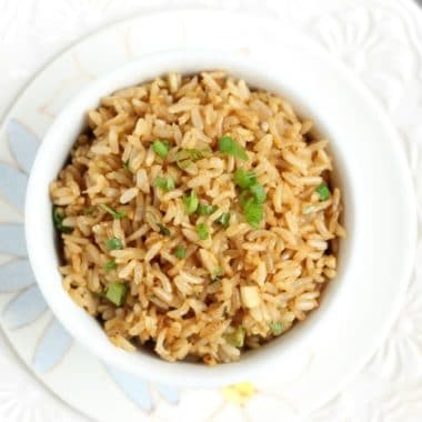 Egg-free fried rice with scallions
