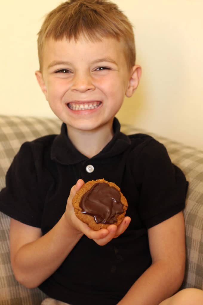 Healthy peanut butter cookies for kids