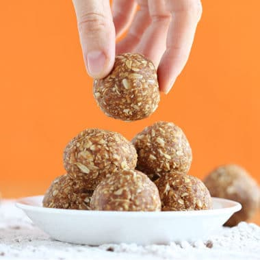 Peanut butter pumpkin balls with oats
