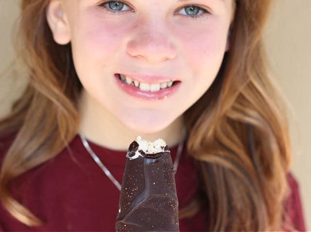 Kid-friendly ice cream bar that is low in sugar
